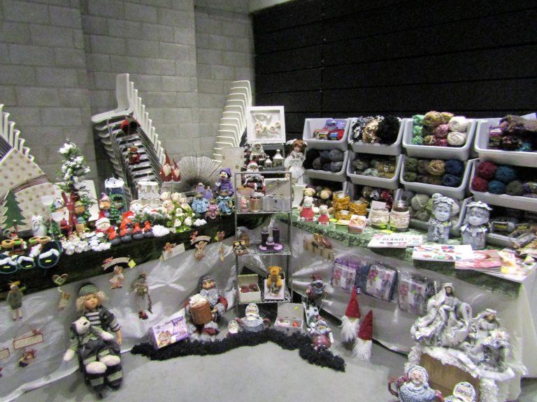 Curieuse geschenkenbeurs in OC De Lier